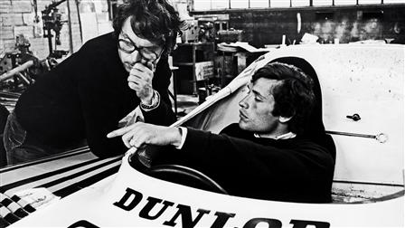 (l. - r.) Jacky Ickx, race enigneer Wolfgang Berger, 1977