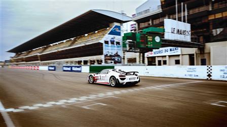 Porsche - Explorando el camino para el regreso