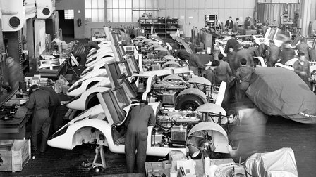 1969: Vehicle assembly Porsche Type 917 in Werk 1
